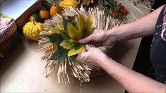 Jana Melas Pullmannová: Jesenný venček za 70 centov Wreaths, Table Decorations, Camera Phone, Plants, Youtube, Crowns, Door Wreaths, Flora, Deco Mesh Wreaths