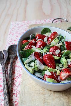 Flourishing Foodie: Strawberry Avocado Salad