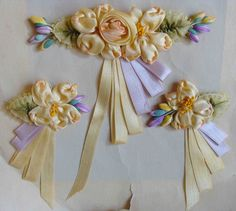 Circa 1920s Never Used Exquisite Silk Ribbon Rosette Lingerie Pins Still Intact On Their Original Card