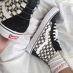 Sneakers women - Vans Supreme (©modernmafia)