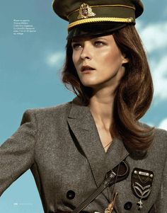 Elle Russia November '11 - Carmen Kass, shot by Santiago Esteban, styled by Inmaculada Jiminez.