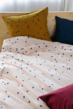 Linge de lit à pois / Bed Linen with dots / linge de lit odette la cerise sur le gateau