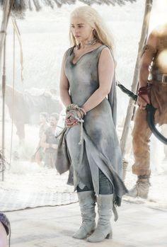 gameofthronesdaily:    ♕ Daenerys Targaryen in Game of Thrones Season 6
