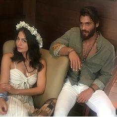 Sanem Aydin, Can Divit, Erkenci Kus Beard Boy, Boho Fashion, Mens Fashion, Fashion Outfits, Early Bird, Couples In Love, Turkish Actors, Beautiful Couple, Gym Men
