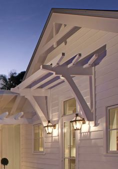 This garage door curb appeal is a very inspiring and glorious idea Garage Trellis, Garage Pergola, Diy Pergola, Pergola Ideas, Metal Pergola, Pergola Kits, Black Pergola, Pergola Curtains, Pergola Plans