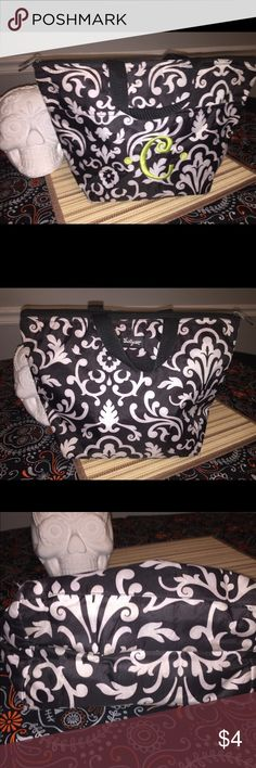 """Thirty One Lunch Tote Black Parisian Pop """"C"""" Please note the damage to the corners from going through the wash. Black Parisian pop print thirty One Lunch Tote. Thirty-one Bags"""