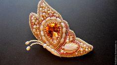 """брошь""""Бабочка"""" - бледно-розовый,бабочка,лето,перламутр,жемчуг,стеклянный кабошон"""