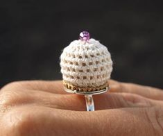 This is a good concept for a ring pin cushion