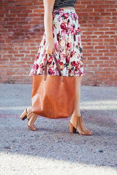Sassy Thursday – 5 Huge Leather Bags