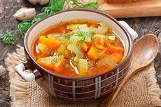 Zupa z selera naciowego to wegetariańskie danie, które zasmakuje z pewnością także miłośnikom zup na mięsie. Dzięki dodatkowi selera naciowego jest aromatyczna... Cooking For A Crowd, Easy Cooking, Hippocrates Soup, Superfood, Soups For Kids, Easy Vegetable Soup, Cancer Fighting Foods, Health Dinner, Eat Healthy