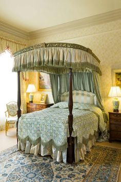 George III Period Mahogany and Painted Four Poster Bed (Ref No. 3902) - Windsor House Antiques