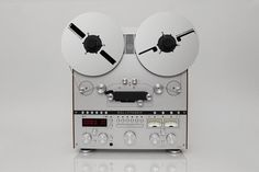 German company Ballfinger has unveiled a new selection of stunning analogue audio equipment including a minimalist reel-to-reel player and turntable