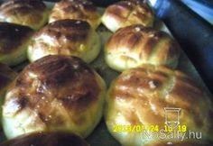 Krumplis-töpörtyűs pogácsa Hungarian Recipes, Scones, Baked Potato, Sprouts, Potatoes, Baking, Vegetables, Ethnic Recipes, Breads