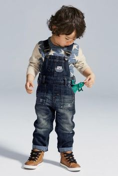 Dungarees are well and truly back on-trend! Cue the aaaahhs!