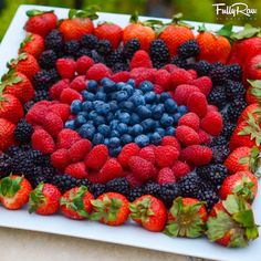 ideas for fruit plate designs parties veggie tray Fruit Salad Recipes, Fruit Snacks, New Fruit, Fruit And Veg, Summer Fruit, Fruit Platter Designs, Platter Ideas, Snack Platter, Fruit Plate