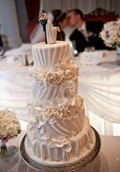 Hochzeitstorte Fondant Zucker oben Blumen Perlen
