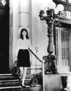 That Girl... Marlo Thomas - I was in the 3rd grade when that was on and thought it must be wonderful to have your own apartment!
