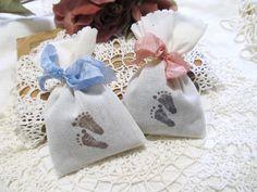 sachet with paw prints