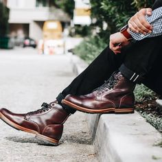 Nice pair of @sutro_footwear boots found on @theprimarymag Follow @runnineverlong on Instagram for more inspiration