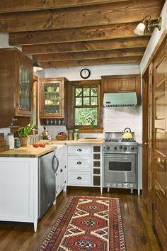 Best Tiny House Kitchen Ideas - Best of All Time Kitchen Designs Best Tiny House, Tiny House Plans, Tiny Cabin Plans, Ideas Cabaña, Decor Ideas, Room Ideas, Little Cabin, Tiny House Living, Tiny House Cabin