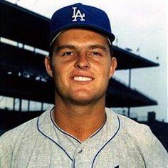 Don Drysdale #MLB #HOF #baseball Dodgers Baseball, Sports Baseball, Baseball Cards, San Francisco Giants, Don Drysdale, Famous Baseball Players, Mlb Teams, Sports Teams, Dodger Blue