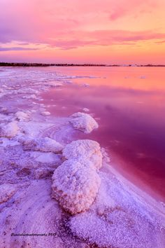 Las Salinas de Torrevieja, Salty lakes in Spain Places Around The World, Oh The Places You'll Go, Places To Travel, Around The Worlds, Beautiful World, Beautiful Places, Pink Lake, Moraira, Spain Holidays