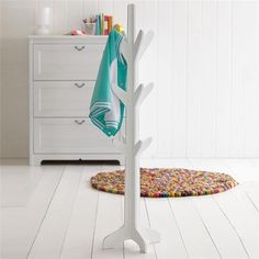 Tree shaped hat stand - great for hanging up coats, hats & other clothing items to be worn again.