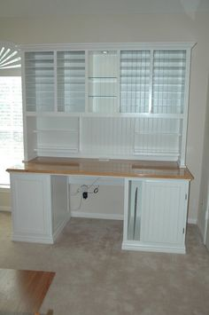 Scrapbook Desk - this is an awesome desk!