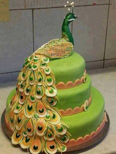 Funny pictures about Peacock Cake. Oh, and cool pics about Peacock Cake. Also, Peacock Cake. Gorgeous Cakes, Pretty Cakes, Cute Cakes, Amazing Cakes, Amazing Pictures, Crazy Cakes, Fancy Cakes, Unique Cakes, Creative Cakes