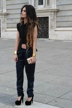 Love the outfit, gold cuffs, blk nails and ombré hair! Ombré Hair, Her Hair, Wavy Hair, Looks Style, My Style, Look 2015, Baggy Pants, Pretty Hairstyles, Passion For Fashion