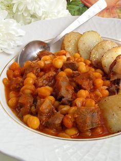 Нут тушеный с мясом в томатной подливе - это одно из самых популярных блюд в турецкой кухне. Очень вкусное, ароматное и сытное блюдо, ко...