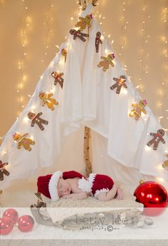Christmas Mini Session / Photo / Newborn Baby Photography / Holiday Card Ideas / Prop Idea / Props