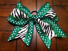 This is cute! I wonder if they have it in blue and white...