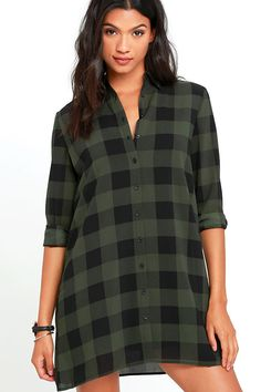 Take charge in '90s style with the BB Dakota Holly-Anne Green Plaid Shirt Dress! Lightweight woven poly shift dress (with a black and green plaid pattern) has a collared neckline and long button-cuff sleeves. Full button placket and detachable slip dress lining complete this classic ensemble! As Seen On Kirsty of @kirstyfleming and Bree of @breekleintop!