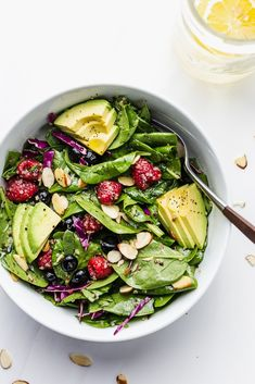 Berry Delicious Spinach Salad #salad #healthy #easy #glutenfree #spinachsalad