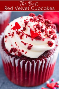 Best Red Velvet Cupcake Recipe, Easy Red Velvet Cupcakes, Red Velvet Muffins, Cupcake Cream, Cupcakes With Cream Cheese Frosting, Yummy Cupcakes, Red Celvet Cupcakes, Cupcake Recipe Easy, Red Velvet Cakes