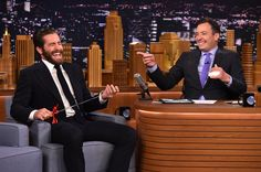 Jake Gyllenhaal Photos - Jake Gyllenhaal Visits 'The Tonight Show Starring Jimmy Fallon' - Zimbio