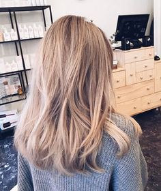 Golden Blonde Balayage for Straight Hair - Honey Blonde Hair Inspiration - The Trending Hairstyle Blonde Hair Looks, Honey Blonde Hair, Hair Day, New Hair, Blonde Hair Inspiration, Easy Wedding Guest Hairstyles, Medium Hair Styles, Long Hair Styles, Balayage Ombré