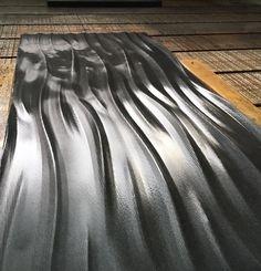 Lavorazione su Granito Nero Assoluto . Ideale per qualsiasi tipologia di rivestimento , interno ed esterno FERRARI GRANITI CHIAMPO Ferrari, Granite, Wall Panelling