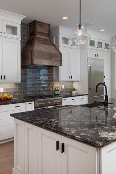 Supreme Kitchen Remodeling Choosing Your New Kitchen Countertops Ideas. Mind Blowing Kitchen Remodeling Choosing Your New Kitchen Countertops Ideas. Kitchen Decor, Kitchen Remodel Countertops, New Kitchen, Kitchen Design Styles, Countertops, New Kitchen Cabinets, Kitchen Design, Kitchen Remodel, Black Countertops