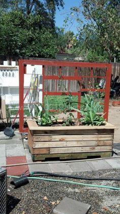 self_watering_planter1