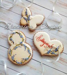 50 отметок «Нравится», 2 комментариев — Екатерина (@ekaterina_slegina) в Instagram: «Нежный набор с лавандой #пряникисанктпетербург #имбирныепряники #козули #кэндибар #сладкийстол…» Honey Cookies, Iced Cookies, Cute Cookies, Easter Cookies, Birthday Cookies, Sugar Cookies, Paint Cookies, Fondant Cookies, Cookie Frosting