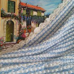 crochet.istanbul ..tbt diye bisey varmış onu da öğrendim şükür..gecen yılın battaniyesini paylaşayım dedim..tabloyu duvardan indir  battaniyeyi  kırk şekle sok.. bunlar hep emek.. #crochetlife #crochetgeek #crochetblanket #crochetconcupiscence #crochetaddict #craftastherapy #trapillo #handgjort #virkkaus #knitstagram #knitting_inspiration #knittersofinstagram #crochetersofinstagram #babyblanket #ganchillo #uncinetto #elisi #tejer #tejidoamano #tejido #käsityö #garn #feitoamao #häkeln…