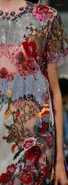 Gorgeous beaded flowers and sequins on tulle for Valentino Spring 2018 - fabric goals! : Gorgeous beaded flowers and sequins on tulle for Valentino Spring 2018 - fabric goals! Couture Details, Fashion Details, Look Fashion, High Fashion, Fashion Design, Couture Ideas, Textiles, Couture Fashion, Runway Fashion