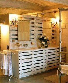 55 ideas for palette furniture diy bathroom Pallet Bathroom, Mold In Bathroom, Diy Bathroom Remodel, Diy Bathroom Decor, Bathroom Furniture, Bathroom Ideas, Pallet Vanity, Pallet Room, Cozy Bathroom