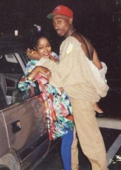 Tupac going mad on the woman! Black Couples Goals, Cute Couples Goals, Tupac Shakur, 2pac, Cute Relationship Goals, Cute Relationships, Funny Relationship Pictures, Look Hip Hop, Couple Noir