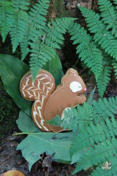 // squirrel decorated cookie  sweetopia //