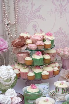 I love French country style, shabby chic , romantic and white style. This is just random things I love. Pretty Cupcakes, Beautiful Cupcakes, Yummy Cupcakes, Vintage Dessert Tables, Vintage Buffet, Vintage China, Vintage Tea, Pastry Shop, Cake Table