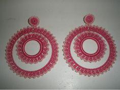 pendientes-de-flamenca-a- ... Crochet Designs, Crochet Patterns, Crochet Earrings, Crochet Jewellery, Crochet Crafts, Macrame, Jewlery, Hoop Earrings, Embroidery