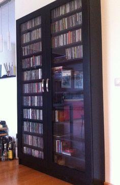 CD-kast in zwart spuitwerk.